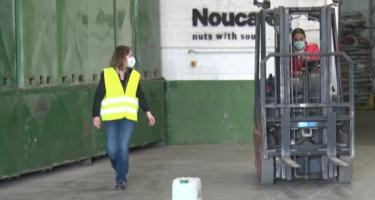 Formen joves del Pla d'Urgell perquè aprenguin a conduir un carretó elevador